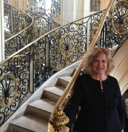 escalier du salon de thé Pouchkine Paris